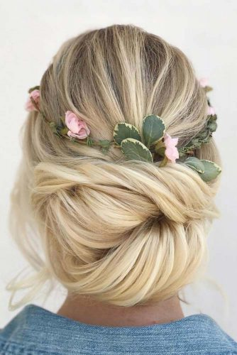Fairy Prom Hairstyles With Natural Flowers picture 2