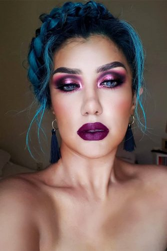 Burgundy Shades In Makeup Shiny Eye Shadow #makeup