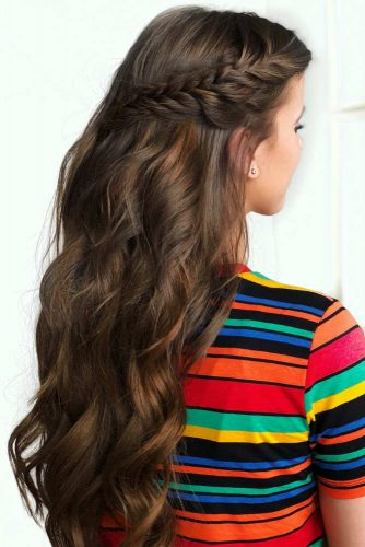 Side Braided Graduation Hairstyle For Long Hair #long #wavyhair #braids #halfuphalfdown