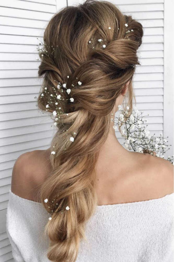 Romantic Messy Braid To Look Like A Princess #long #braids #flowers