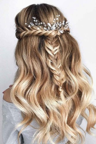 Voluminous Loose Curls #long #wavyhair #halfuphalfdown #braids #accessory