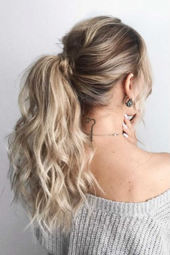Textured Low Ponytail #hairstyle #ponytail