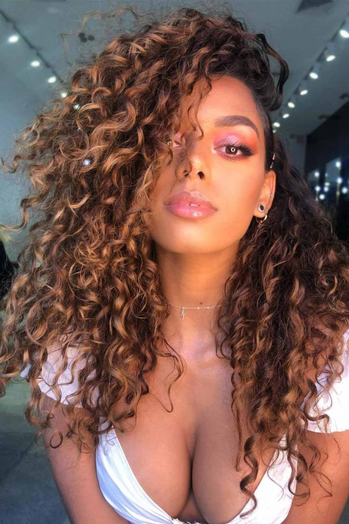 Summer Balayage Highlights On Curly Hair Side Part #summerhaircolors