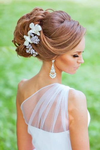 Fabulous Updo With Swept Back Bang #updo #bridalaccessory #sidebang