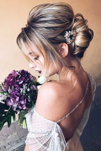 Beautiful French Twist #frenchtwist #weddinghairstyle