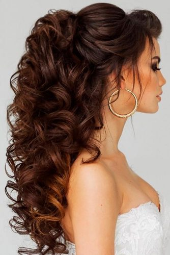 Royal Wedding Curls For Thick Hair #halfuphalfdown #brunette #curlyhair