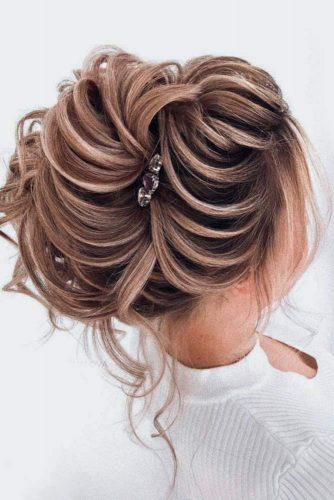 Hair Texture As The Main Detail #updo #highbun
