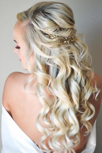 Twisted Bumped Half-Up #weddinghairstyles