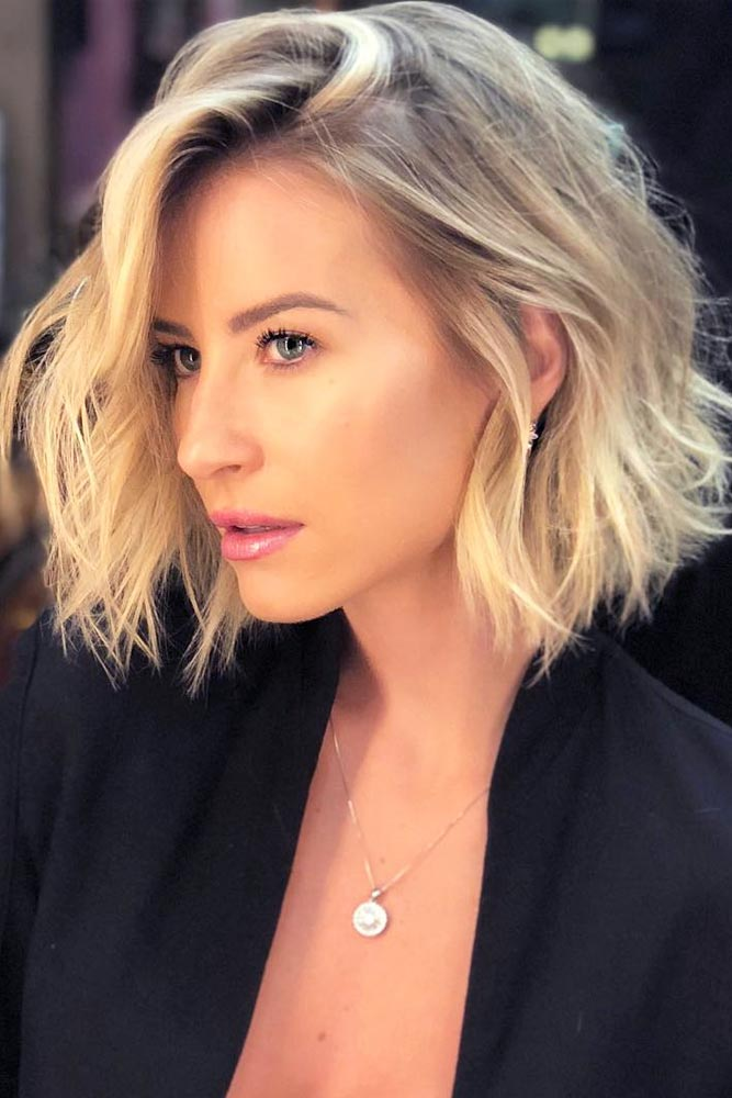 Blunt Bob With Loose Waves #shortwavyhair #wavyhair #shorthair #bobhaircut #blondehair