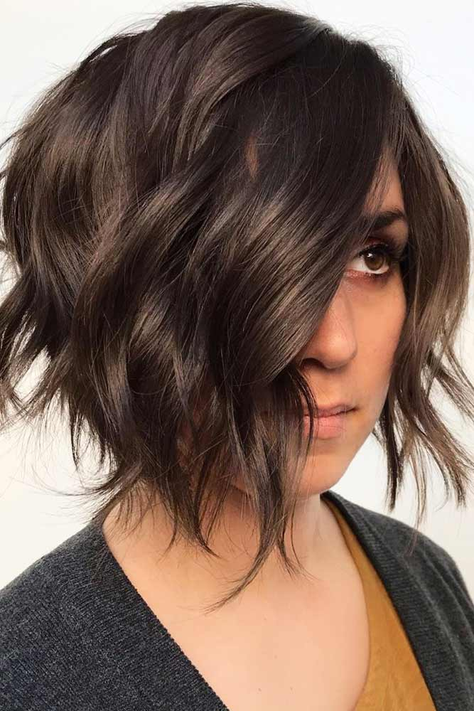 Frame Your Face With Waves #shortwavyhair #wavyhair #shorthair #bobhaircut