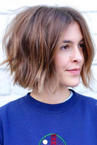 Fancy Short Haircut For Teenage Girls #shorthaircuts #shorthaircutsforgirls #haircuts #bobhaircut #caramelhighlights