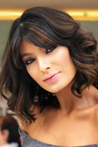 Stylish And Volumetric Wavy Lob With Bangs #wavyhair #bob #bangs