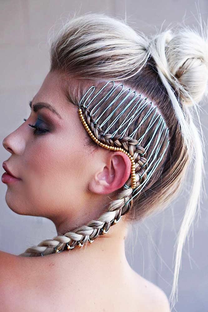 Mohaw¬k Hairstyle With Side Dutch Braid #mohawk #braids #bun