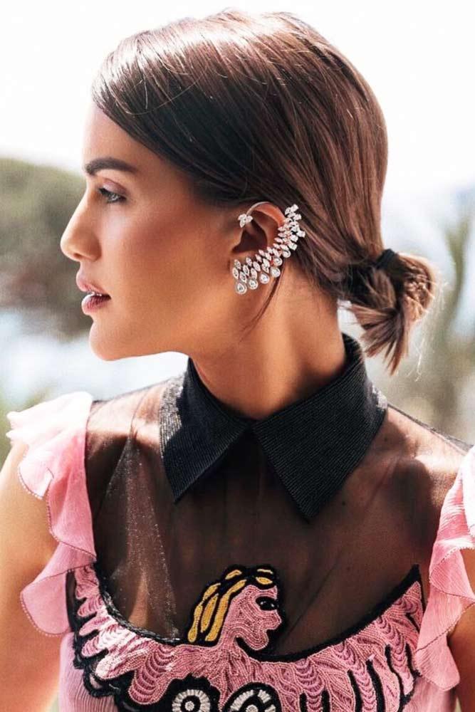 Low Knot For Medium Hair Length #mediumhair #brunette #knot #diamondface