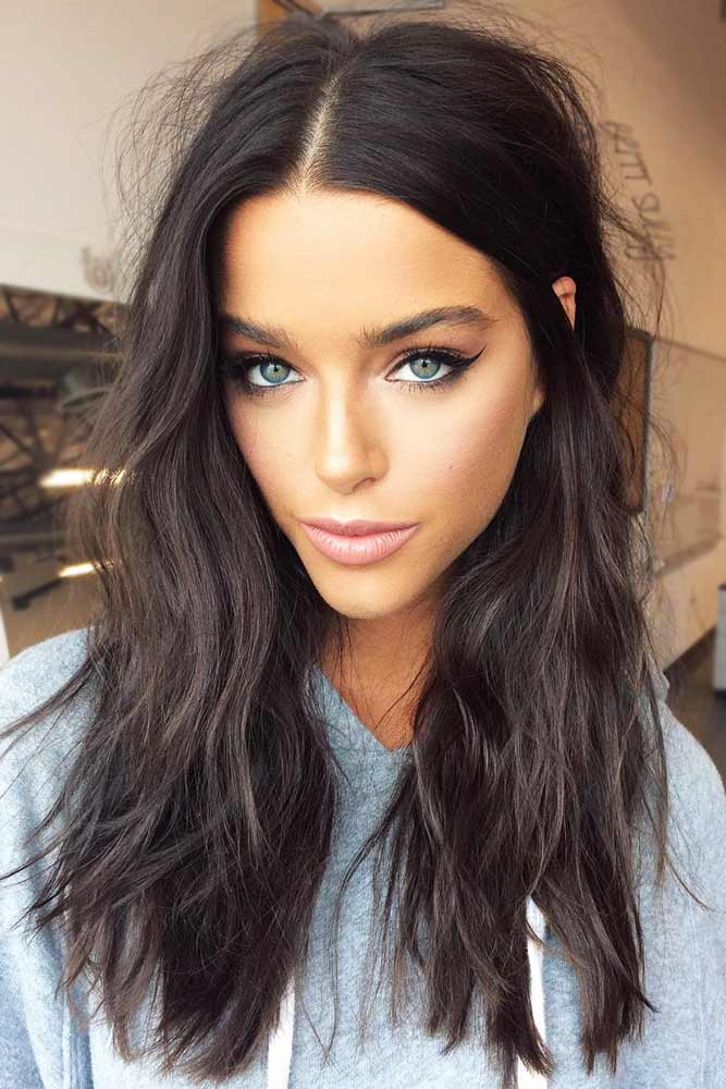 Stylish Long Messy Hairstyle #messyhair #brunette #longhair #diamondface