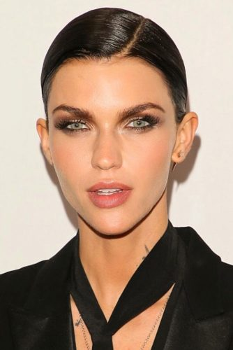 Sleek Styling For Short Pixie #pixie #brunette #sleekhair #diamondface