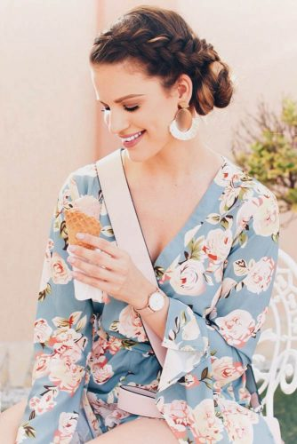 Deep V Kimono Style With Braided Bun #outfits #braids #updo