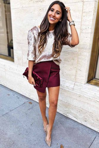 Shiny Velvet Blouse With Simple Wavy Hairstyle #outfits #wavyhair