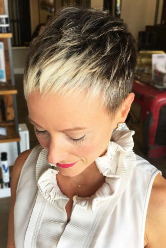 Pixie Blonde Highlights #pixie #shorthair #layeredhair #highlights