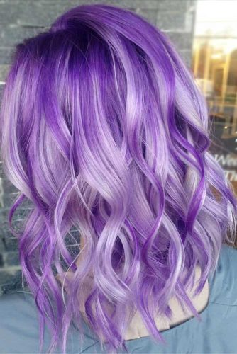 Pale Light Purple Highlights #purplehighlights #highlights #haircolor #wavyhair #mediumhair