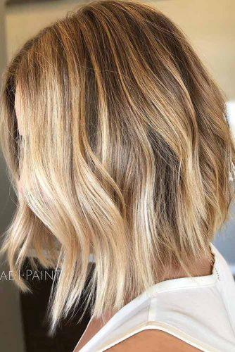 Caramel Highlights On Medium Length Bob #bobhaircut #shoulderlength #blondehighlights