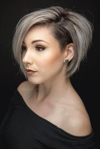 Straight And Full A line Bob For Thick Hair #straighthair #hairtype #hairstyles #bobhaircut #greyhighlights