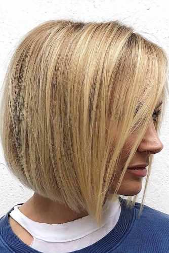 Elegant Medium Blunt Bob For Any Hair Type #straighthair #hairtype #hairstyles #bobhaircut #sandyhighlights