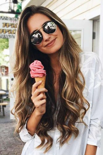 Long Wavy Hairstyle With Aviators #longhair #wavyhair #sunglasses