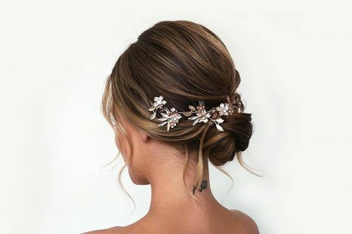 Hair Bun For Short Hair Updo & Half-Up Ideas You Should Try Right Now