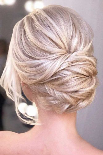 Blonde Updo Hairstyle #weddingupdo #weddinghair #hairstyles #updohairstyles