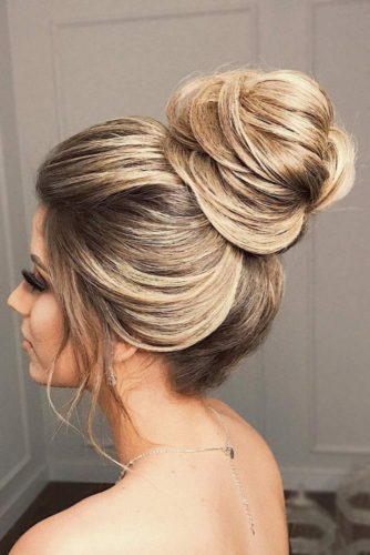 High Bun Hairstyle #weddingupdo #weddinghair #hairstyles #highbun #updohairstyles