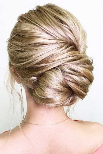 An Outstanding Side Updo #weddingupdo #weddinghair #sidebun #lowbun