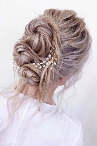 A Several Little Buns Combo #weddingupdos #weddinghair #longhairstyles