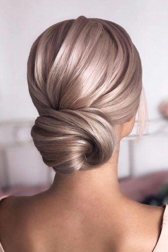 Sleek Low Bun #weddingupdo #weddinghair #hairstyles #updohairstyles
