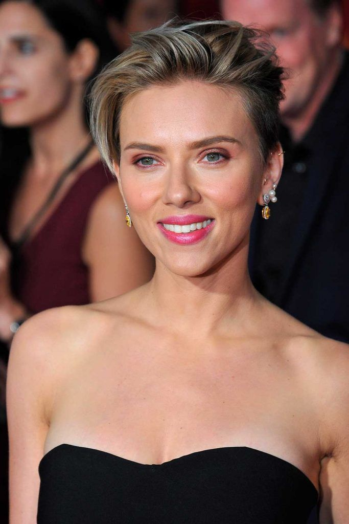 Asymmetrical Pixie Cut For Thick Hair By Scarlett Johansson