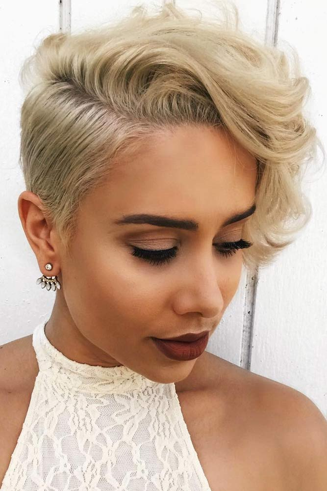 Wavy Asymmetrical Pixie Cut #asymmetricalpixie #shorthair #pixiehaircut #haircuts #blondehair