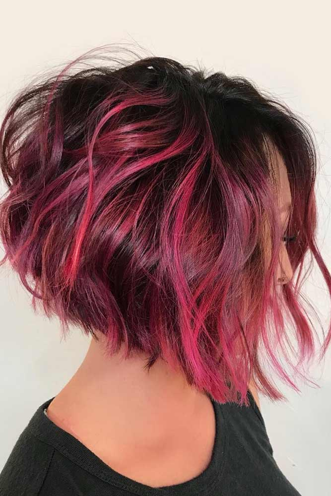 A line Bob With Pink Highlights For Thick Hair #beachwaves #shorthair #hairstyles #bobhaircut #pinkhighlights