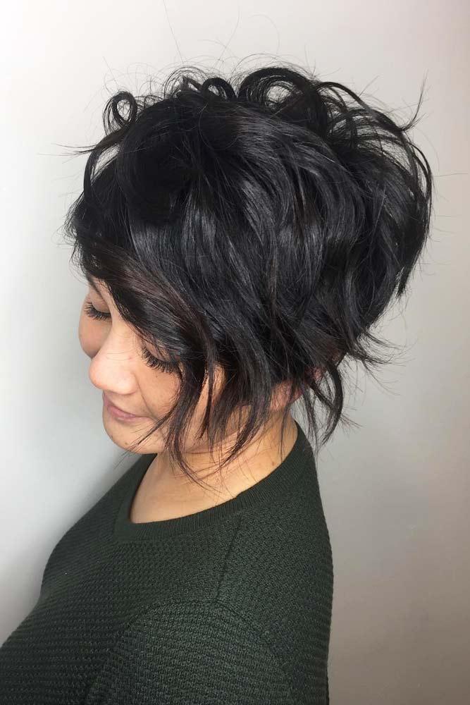 Long Wavy Side Swept Pixie #beachwaves #shorthair #hairstyles #pixiehaircut