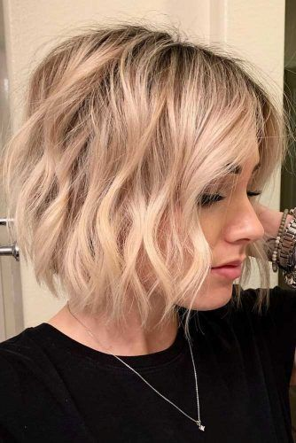 Blonde Beach Waves For Short Hair #beachwaves #shorthair #hairstyles #bobhaircut #blondehair