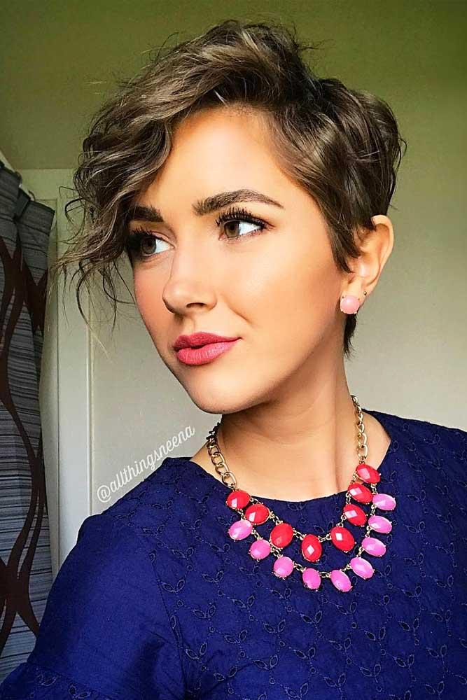 Side Parted Pixie Haircut With Perm Beach Waves #beachwaves #shorthair #hairstyles #pixiehaircut #perm