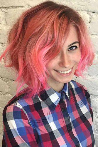 Charming Pink Wavy Bob #beachwaves #shorthair #hairstyles #bobhaircut #pinkhair