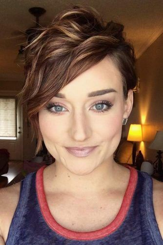 Asymmetrical Wavy Pixie #beachwaves #shorthair #hairstyles