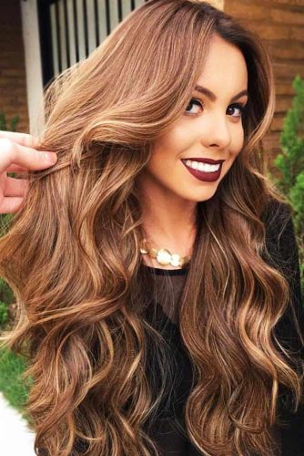 Chestnut Brown With Lowlights #wavyhair #brownhair #highlights