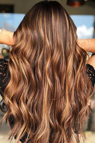Chestnut Brown With Carmel Blonde Highlights #chestnuthair #brownhair #blondehair #highlights