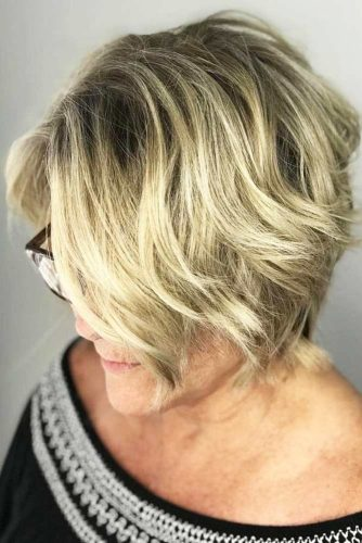 Choppy Wavy Inverted Cut #mediumhair #bob #wavyhair