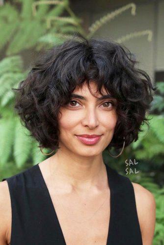 Curly Pageboy Haircut  #pageboyhaircut #shorthaircut #haircuts #bangs #curlyhair