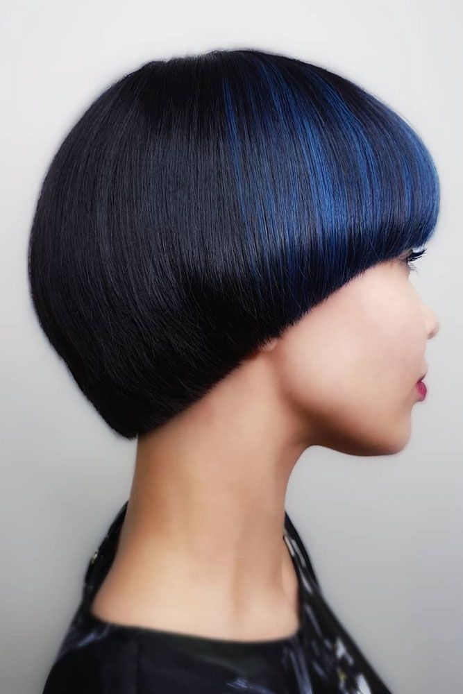 Black Retro Pageboy Cut With Blue Highlights #pageboyhaircut #shorthaircut #haircuts