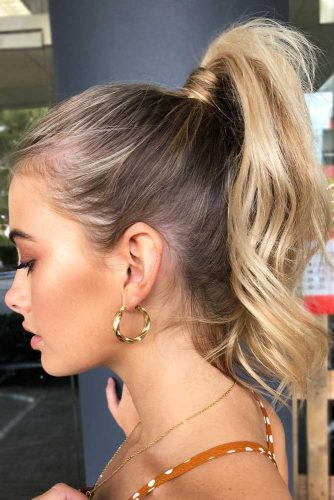 High Wavy Pony For Shoulder Length Hair #ponytail #ponytailhairstyles #hairstyles #mediumhair #blondehair