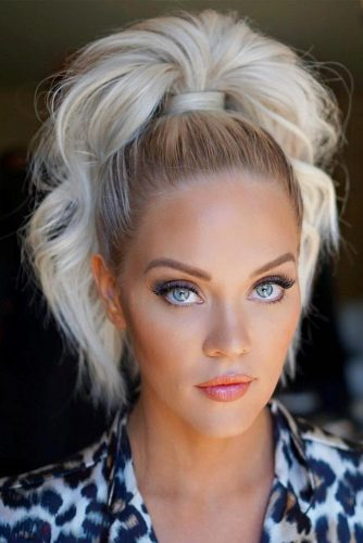 Lush And Voluminous High Ponytail #ponytail #ponytailhairstyles #hairstyles #mediumhair #blondehair