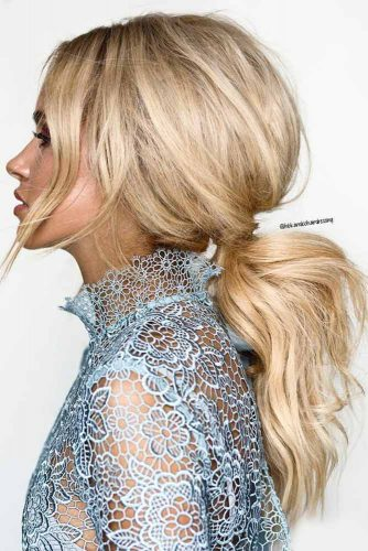 Wavy Ponytail With Long Bangs #hairstyles #longhairstyles #faceshapes #ponytail